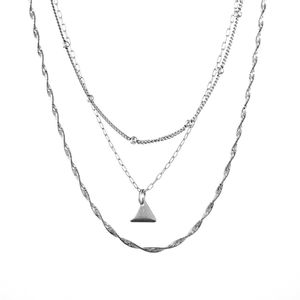 Colar-Triplo-Choker-Correntes-Triangulo-Prateado-01