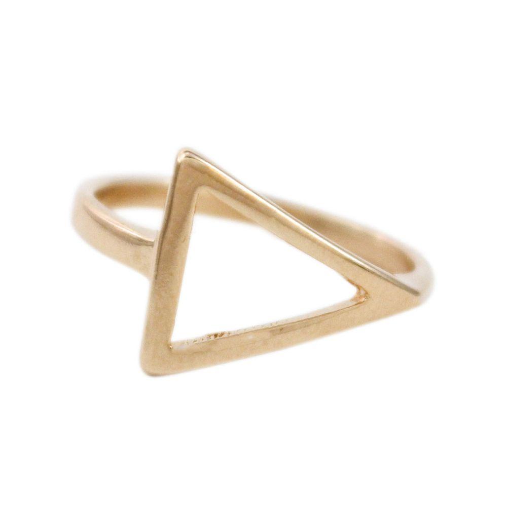 Anel-Triangulo-Vazado-Horizontal-Dourado-Folheado-01