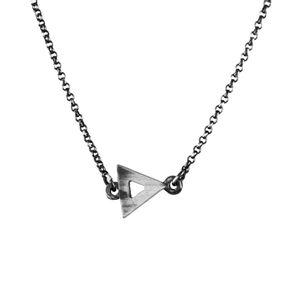 Colar-Choker-Triangulo-Pequeno-Prateado-01