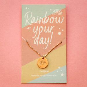 Colar-Medalha-Rainbow-Your-Day-Arco-Iris-Dourado-Folheado-06