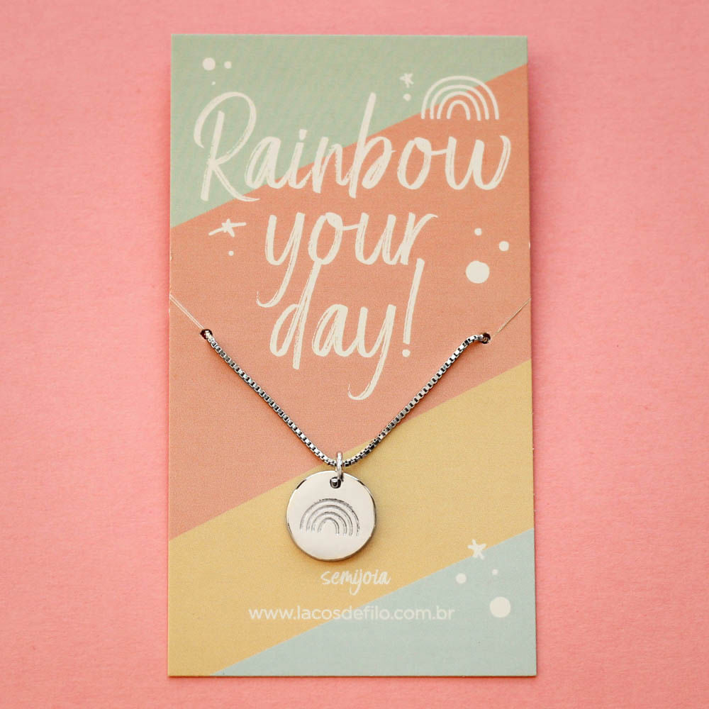 Colar-Medalha-Rainbow-Your-Day-Arco-Iris-Prateado-Folheado-06