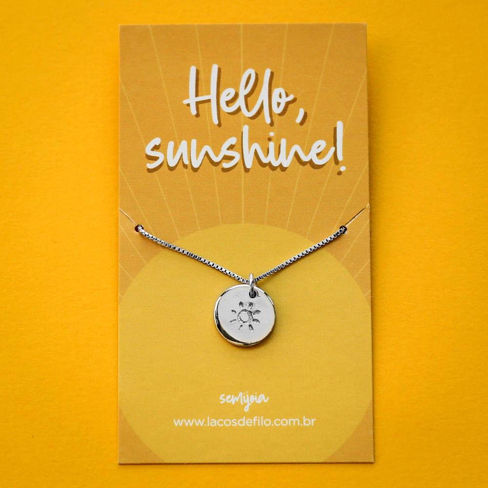 Colar-Medalha-Hello-Sunshine-Sol-Prateado-Folheado-06
