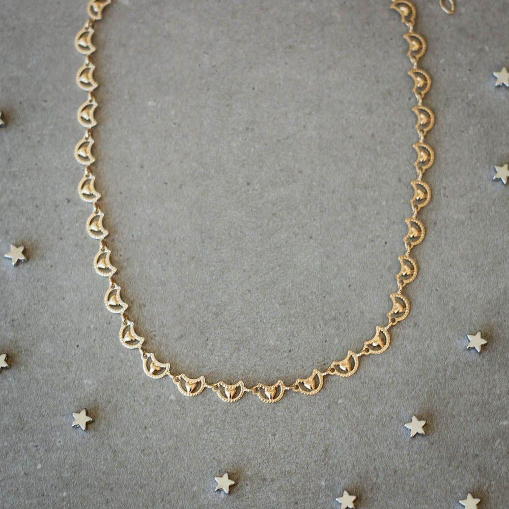 Colar-Choker-Meia-Lua-Coracao-Dourado-Folheado-01