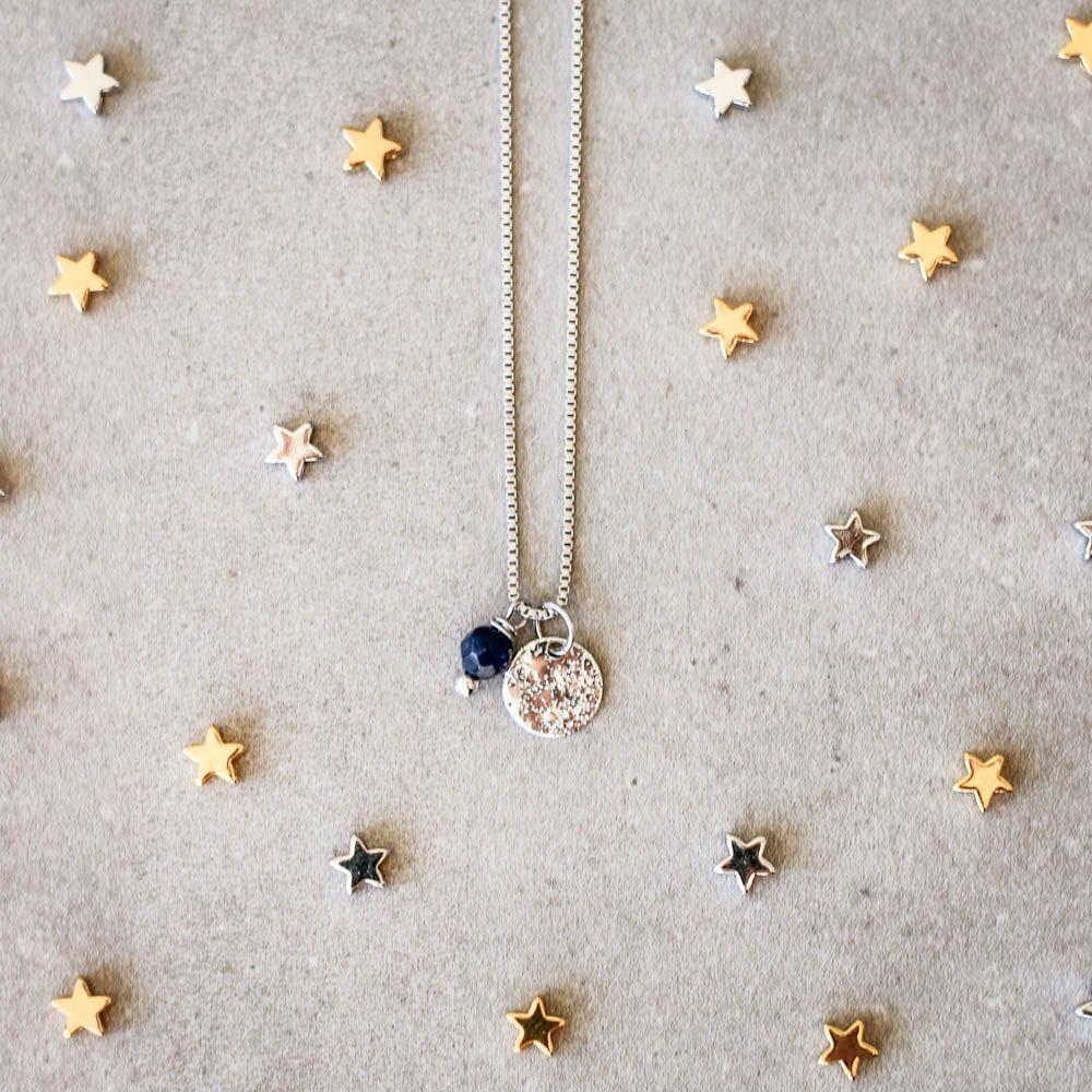 Colar-Medalha-Constelacao-Pedra-Jade-Azul-Prateado-Folheado-01